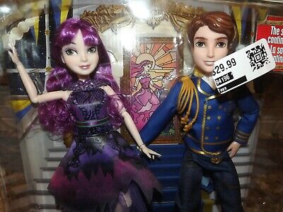 NEW Disney Descendants 2 Royal Cotillion Couple Mal and King Ben of Auradon Set