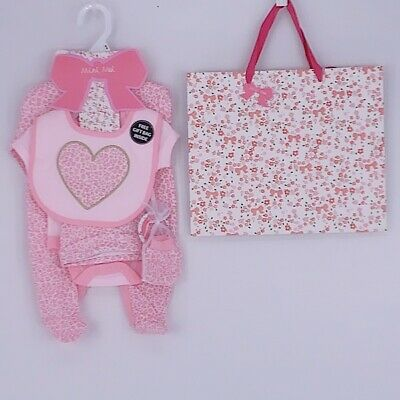 Stunning Baby Girls Heart & Leopard Print Pink 5 Piece Layette Outfit & Gift Bag