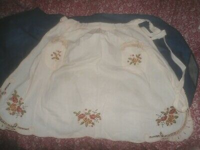 A Gorgeous Cream Cotton Embroidered Apron With 2 Pockets