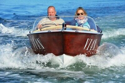 1956 SEA QUEEN TIMBER RUNABOUT DELUXE 15' Ski-boat  wooden FINS RARE