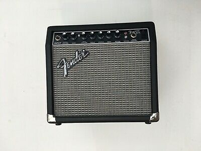 FENDER FRONTMAN 15R PR-493 Solid State Electric Guitar Amplifier / Nice !