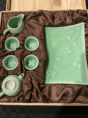 New Chinese Longquan Celadon 7 Piece Tea Set with Wooden Box