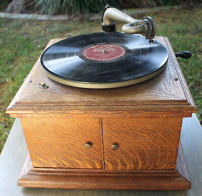 Antique Victor Victrola VV-VI Phonograph Record Player Wood Talking Box WORKS