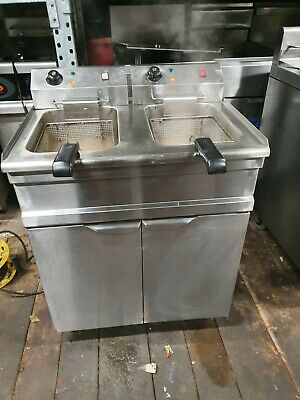 Double Electric Fryer Floor Standing 13 Amp Plug Fryer
