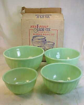 Vintage FIRE KING JADITE Jadeite Swirl 4 PIECE MIXING BOWL SET - Mint in Box NEW