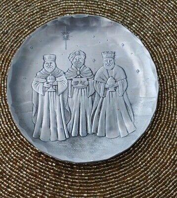 Set 4 Wendell August coasters forge aluminum Jesus birth story Christmas holiday