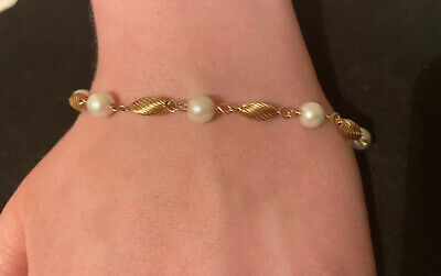 """14K Yellow Gold and Pearl Bracelet 6.3 grams 7 """""""