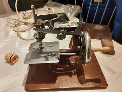 Vintage essex hand operated Sewing machine