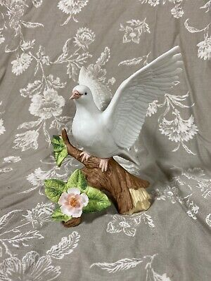 Vintage UCCC Made In Taiwan Dove On Branch Figurine