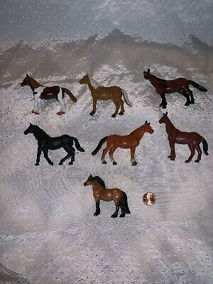 Lot Of 7 Plastic Horses Horse Collection