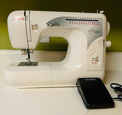 SINGER Sewing Machine Electronic Power Control (MODEL 2662)