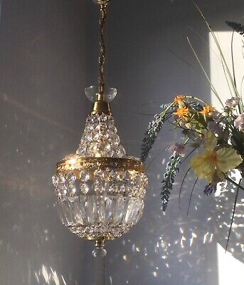 ✨Pretty ✨Glass crystal mdm size French Empire style Vintage chandelier light ✨