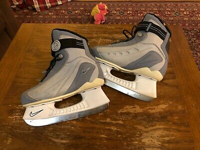 Nike Youth Ice Skates Size 3, excellent condition