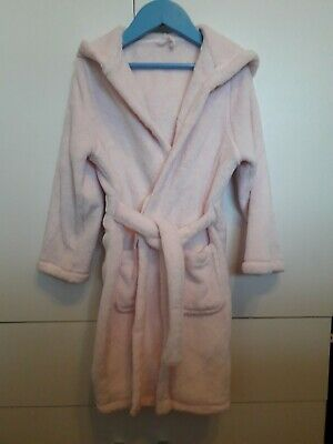 M&S girls cosy pink dressing gown. Age 5-6 years. Very good condition