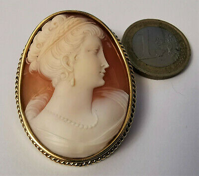 Victorian  Cameo  Gold 18 k  Large solid  gold 750 Antique
