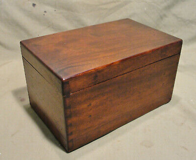 EARLY 1900s TRINKET / MEDICINE BOX in MAHOGANY in jolly nice condition