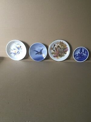 An Assorted Set Of Four Quality Wall Plates. Birds, Flowers & Gefion Fountain.
