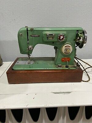 Working Vintage Pinnock Sewing Machine