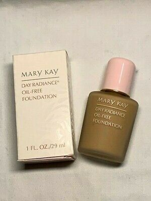 Mary Kay Day Radiance Liquid (or Oil-Free) Foundation 1oz **YOU CHOOSE** NEW