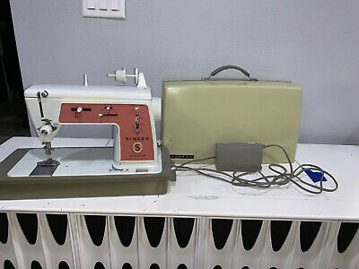 Vintage Singer Touch And Sew Sewing Machine Deluxe Zig Zag 626