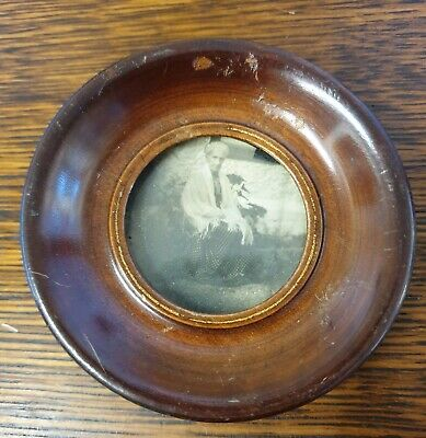 antique round small wood PICTURE PHOTO FRAME