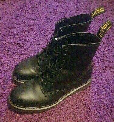 Dr. Martens Mens Size 10 Airwair Black Smooth Leather Boots 1460