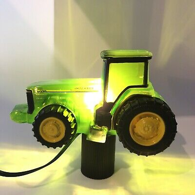 John Deere Tractor Tree Topper Excellent condition. Tested.