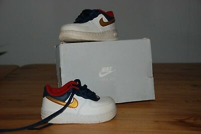 NIKE BABY SCHUHE weiss gold air Force Gr.17 EUR 25,00