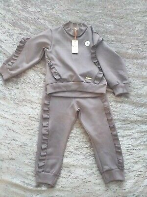 Girls river island tracksuit 3‐4 Years