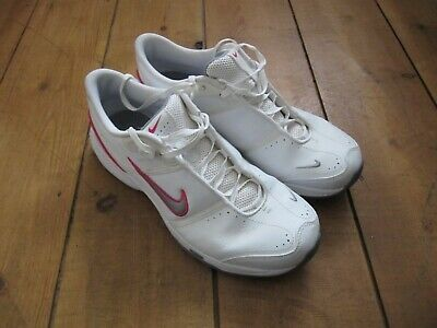 Girls/Womens Nike Trainers - Very Good Condition - Size 5 - White/Grey/Pink