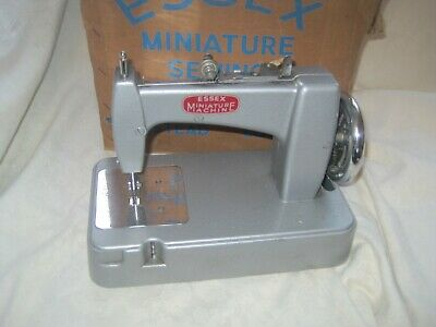 Vintage FULLY BOXED Children's Old SEWING MACHINE Essex Miniature Machine