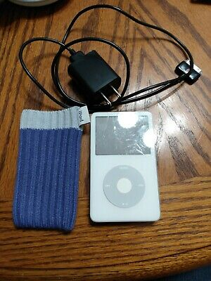 iPod 30gb With Carrying Case And Charger
