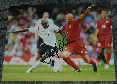 JERMAINE DEFOE - ENGLAND - 10x8 PHOTO SIGNED - GENUINE.