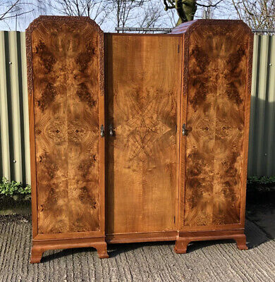 Superb Very Clean  Art Deco Walnut  Fitted 3 Door Wardrobe Amazing Veneers