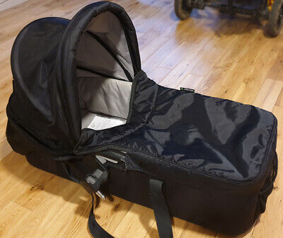 Baby Jogger Carrycot / Bassinet - Deluxe - With Adapters - Black