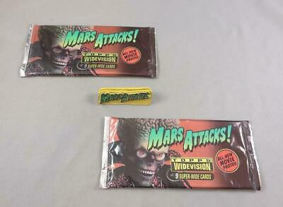 Topps 1996 Mars Attacks Widevision Trading Cards -2 Unopened Packs & Holder