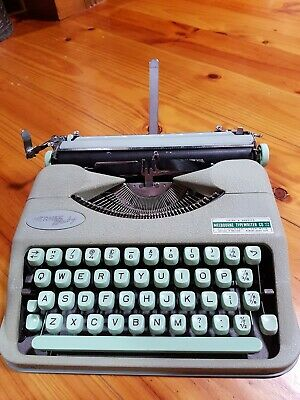 1960's VINTAGE HERMES BABY PORTABLE TYPEWRITER IN CASE, TYPING, COLLECTABLE