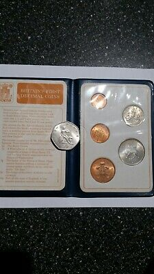 Britain's First Decimal Coin Set In Wallet - Royal Mint - Uncirculated Coins