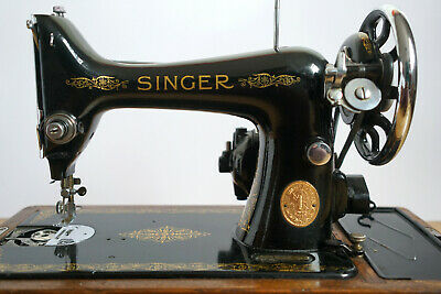 Vintage Electric Singer Sewing Machine 99k with Wooden Case. SPARES & REPAIRS!