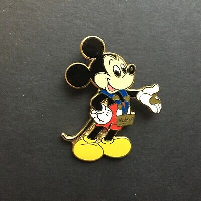Mickey & Minnie Pin Trading Starter Set - Mickey Mouse ONLY Disney Pin 11063