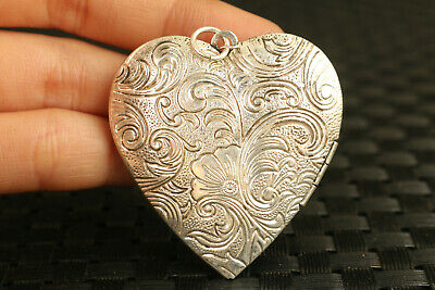 Chinese  miao silver hand carved heart-shaped photo frame statue pendant netsuke