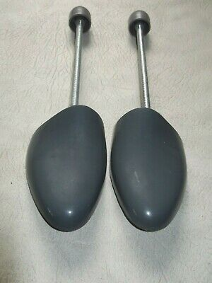 Pair of men's shoe  size 8-9 plastic and springshoe trees stretchers VGC
