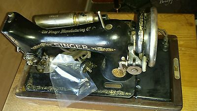 Vintage Rare Singer Portable 99-13 Sewing Machine With Factory Wooden Case 1927