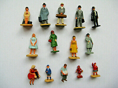 14 plastic OO scale painted passenger figures, all different