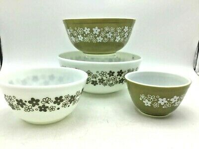 """Vintage Pyrex Green """"Crazy Daisies"""" Dish Bowl Lot Spring Blossom very nice set"""