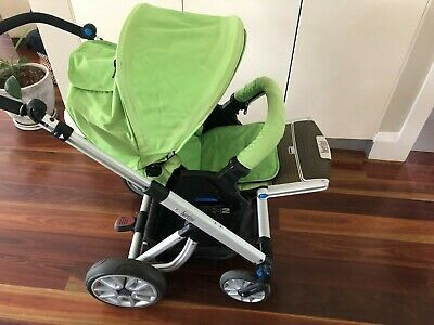 Bertini X2 Pram with bassinet and warmth covers