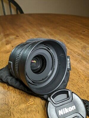 Nikon Nikkor AF-S DX 35 mm F/1.8G Lens used in excellent conition
