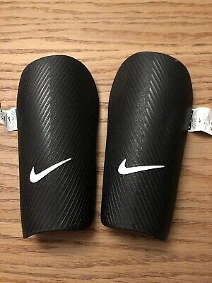 Nike Academy Shin Pads Size Medium Height 150-170cm
