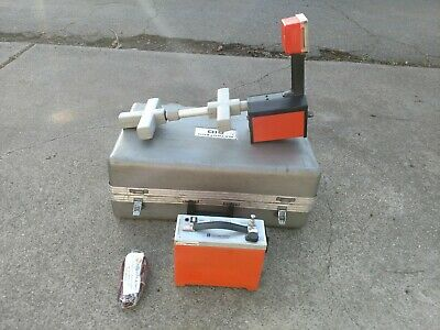 Metrotech Model 810 Locator Set Cable pipe locator with case