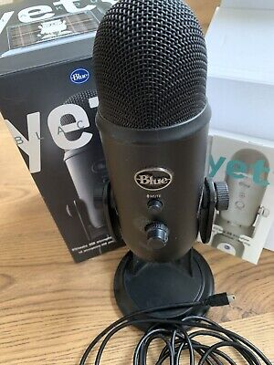 Blue Microphones Yeti USB Microphone - Blackout for professional recording